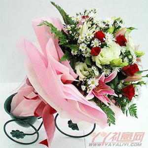 11朵红玫瑰2朵粉百合