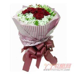 7朵红玫瑰5朵白玫瑰