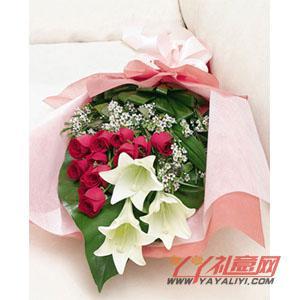 12朵红玫瑰3朵铁炮百合(不老情)