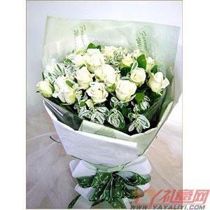 网上订花22朵白玫瑰