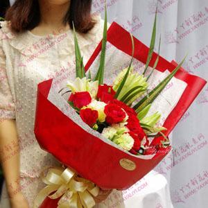 鲜花速递11支红玫瑰2支百合