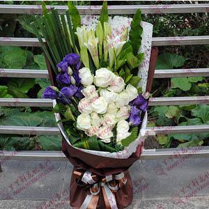 鲜花速递19支白玫瑰8支百合