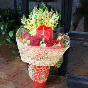 鲜花11支红玫瑰2支红掌