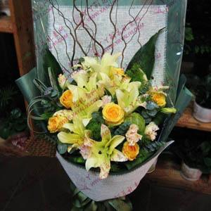 8支黄天霸百合6支黄玫瑰道歉送花