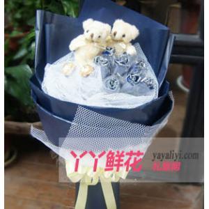鲜花9支蓝色妖姬2只小熊
