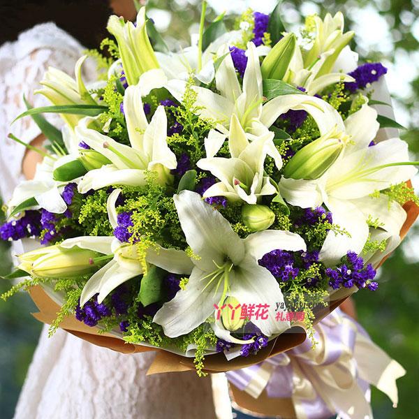 生日鲜花6朵白百合(美丽的祝福)预订