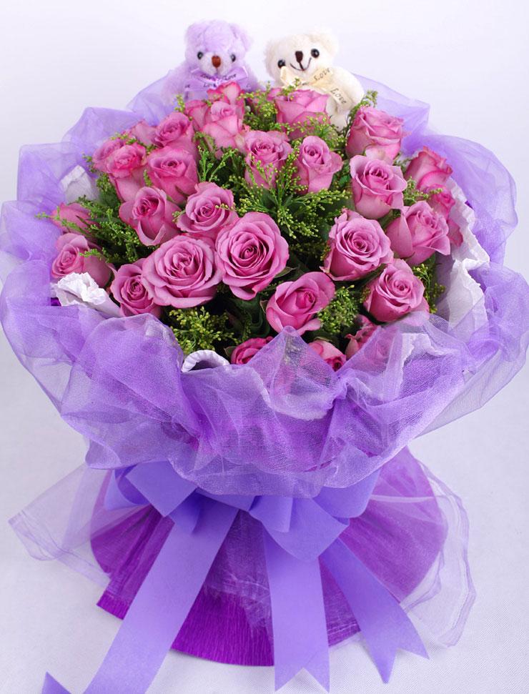 33枝紫色玫瑰实拍图欣赏