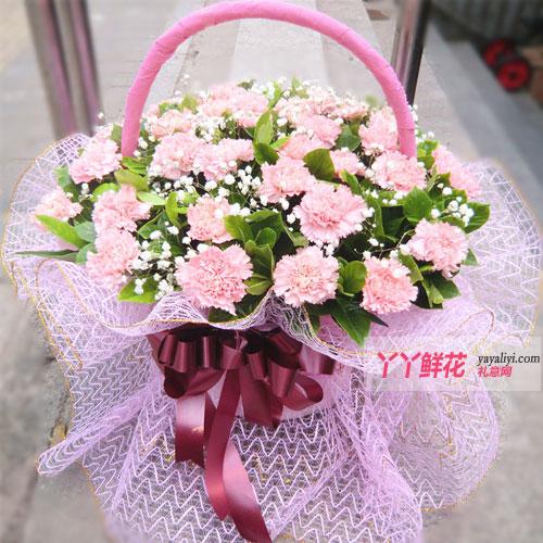 粉红色康乃馨花篮整体效果图