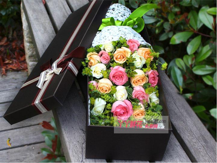 19朵混搭玫瑰礼盒(灿烂)