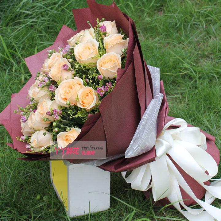 鲜花19枝香槟玫瑰(容颜永驻)侧面图欣赏