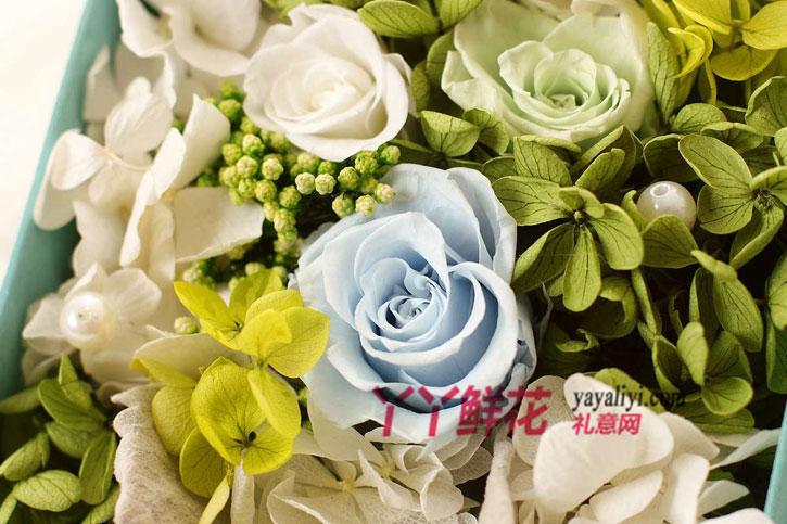 鲜花包装:15cm*15cm*12cm高档礼盒包装